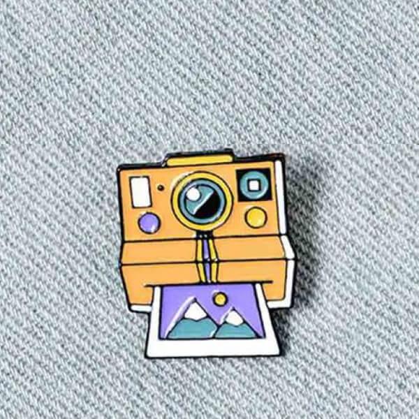 Pins polaroid